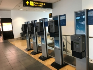 telefono publico aeropuerto